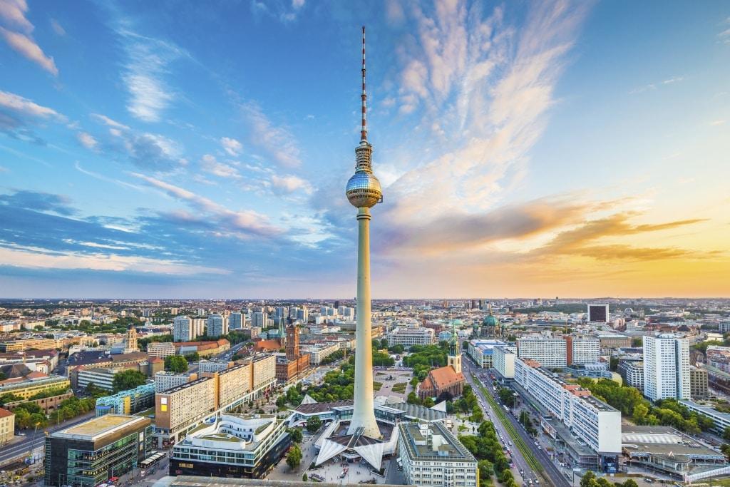 Televisietoren op het Alexanderplatz in Berlijn, Duitsland