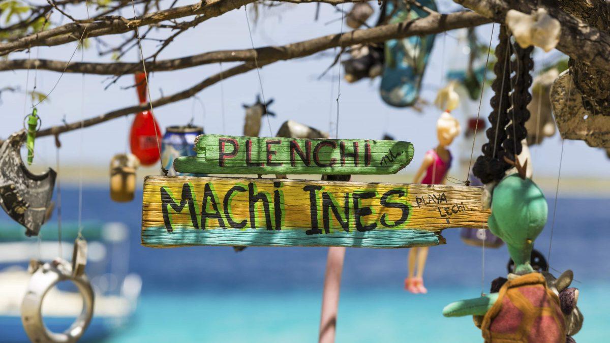 Bordje op het strand van Bonaire