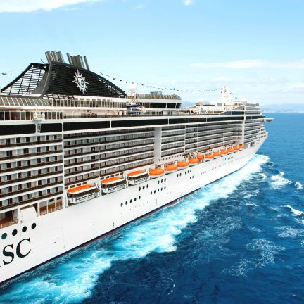 De MSC Splendida op zee