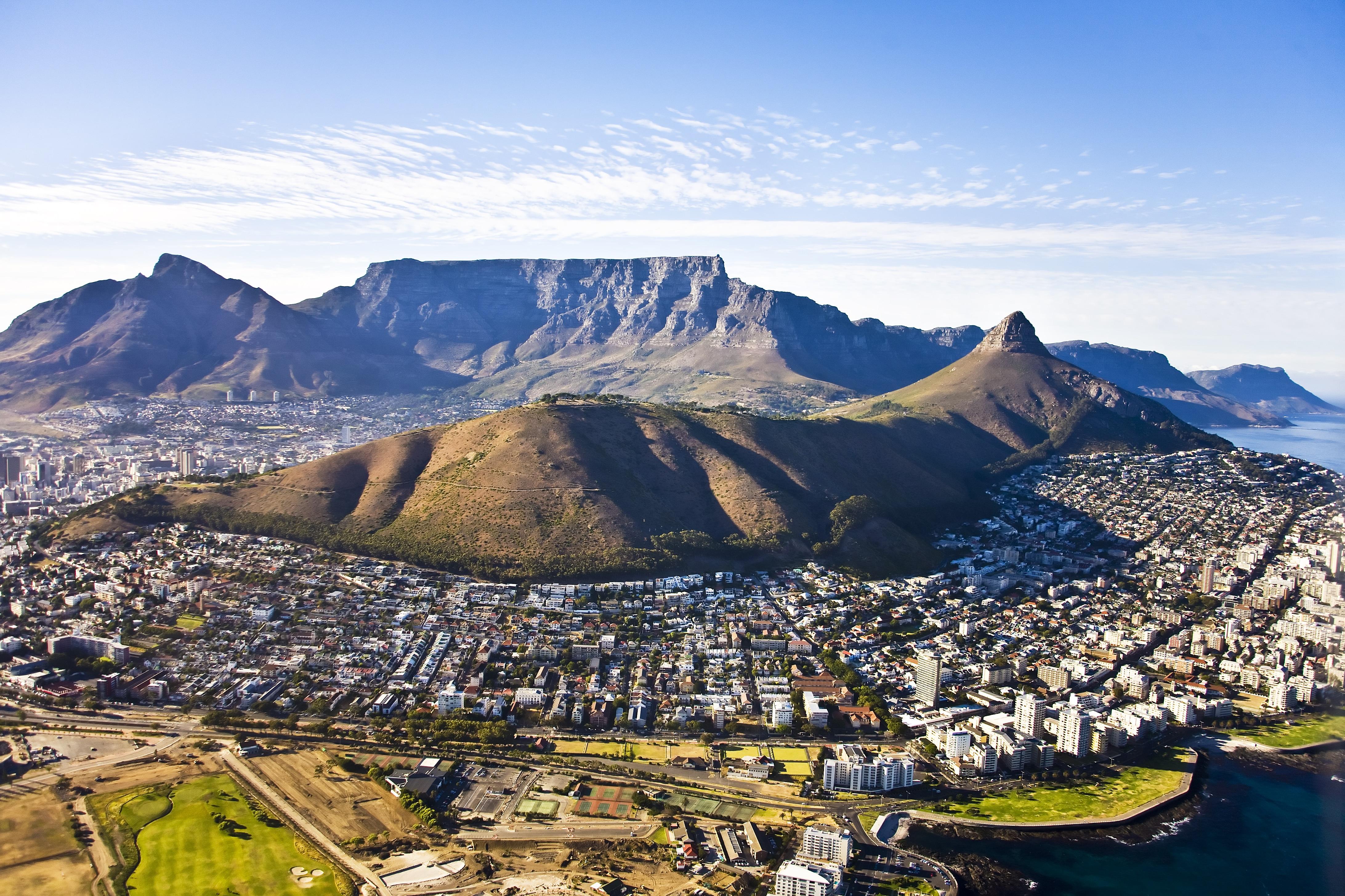 Uitzicht over Kaapstad en de Tafelberg, Zuid-Afrika