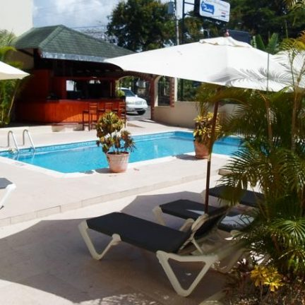 Zwembad van Don Andres Hotel en Appartementen in Sosua, Dominicaanse Republiek