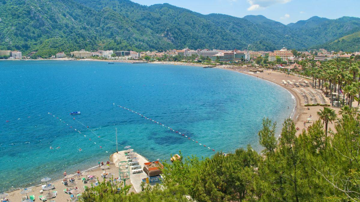 Strand van Içmeler in Turkije