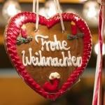 """Gingerbread """"Frohe Weihnachten"""" op een kerstmarkt"""