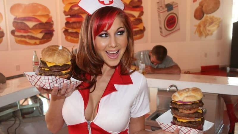 Serveerster van restaurant Heart Attack Grill in Las Vegas, Nevada