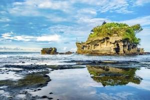 Tanah Lot Island temple op Bali