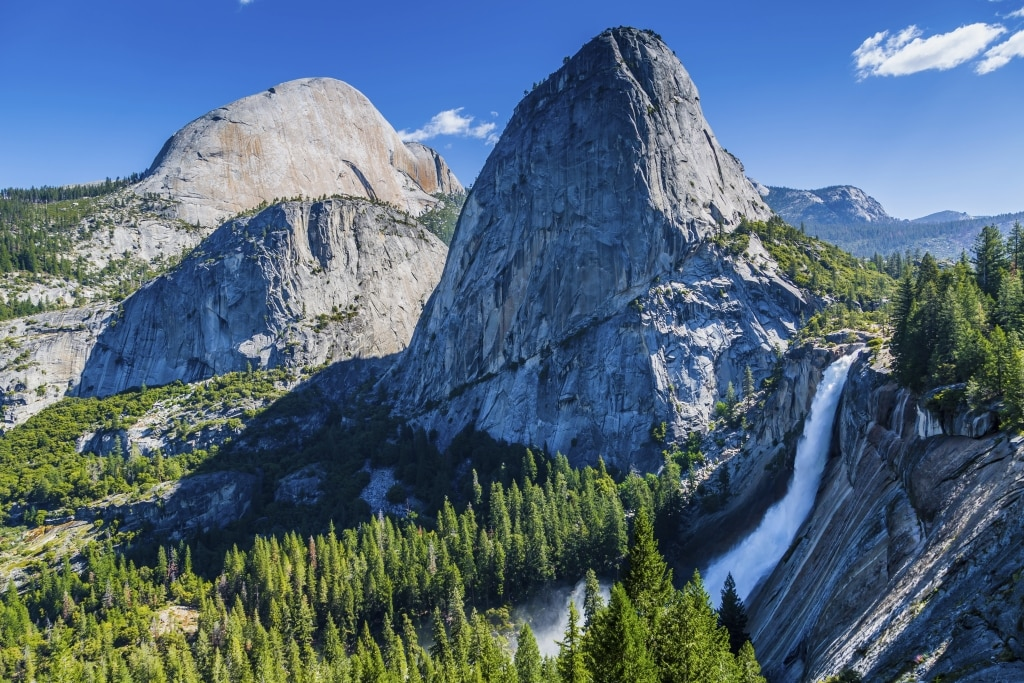Half Dome, Broderick Mountain, Liberty Cap in Yosemite National Park, Amerika