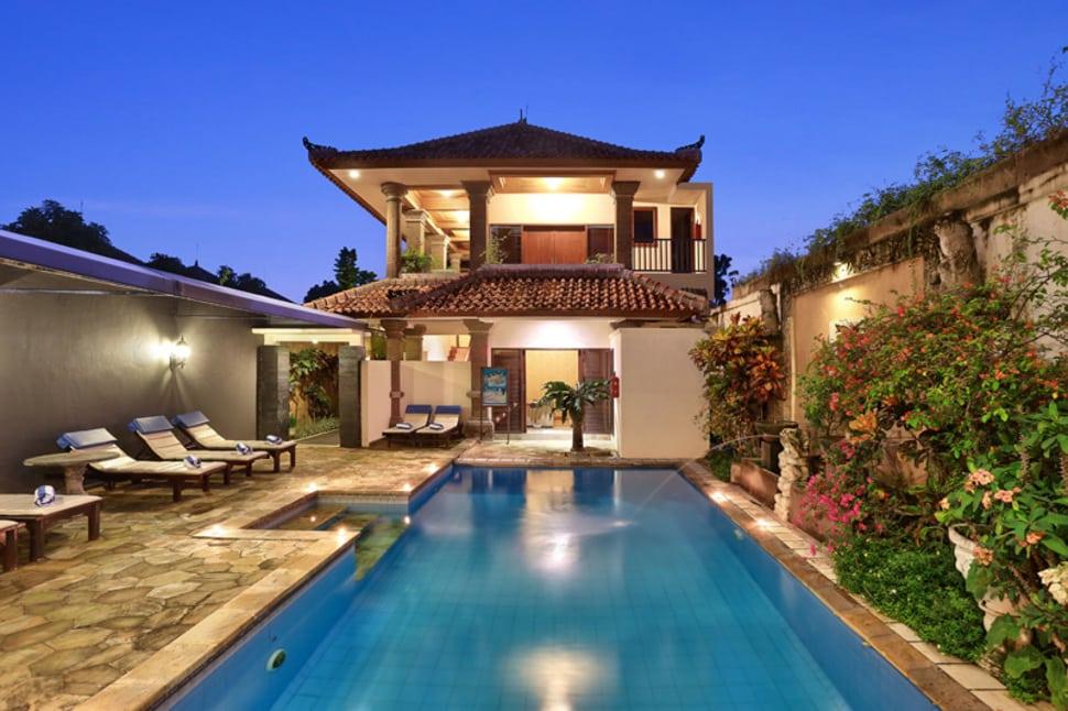 Zwembad van Batu Belig in Seminyak, Bali