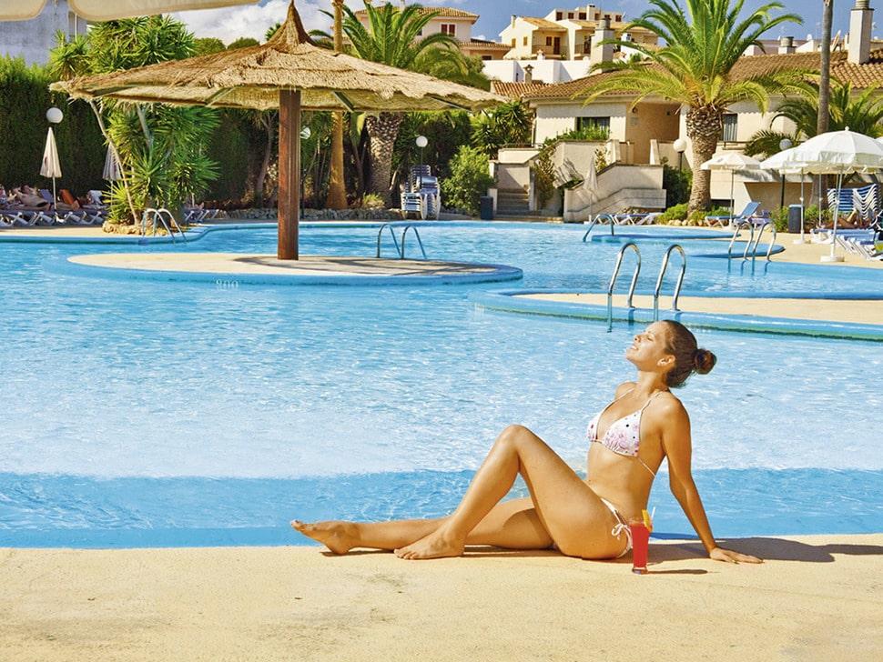 Zwembad van JS Es Corso op Mallorca