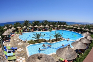 Zwembad van Mediterraneo Hotel in Chersonissos, Kreta