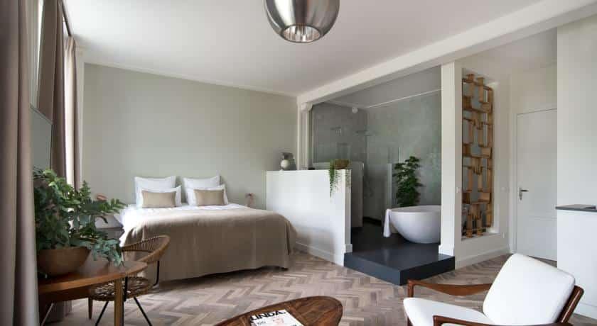 Hotel De Witte Dame in Abcoude