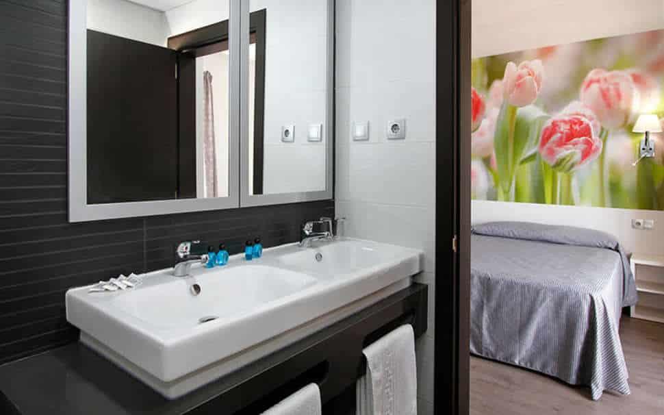 Hotelkamer van Hotel Amaraigua in Malgrat de Mar, Costa Brava, Spanje