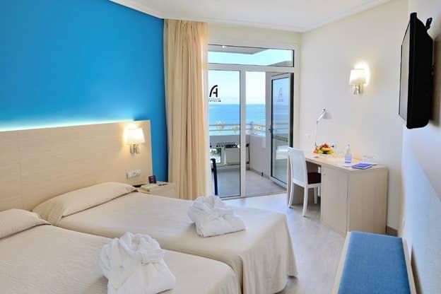 Hotelkamer van Hotel Troya in Playa de Las Americas, Tenerife