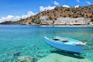 Boot op zee bij Kreta, Griekenland