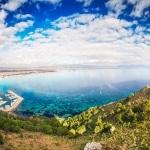 Uitzicht over zee op Sardinië, Italië