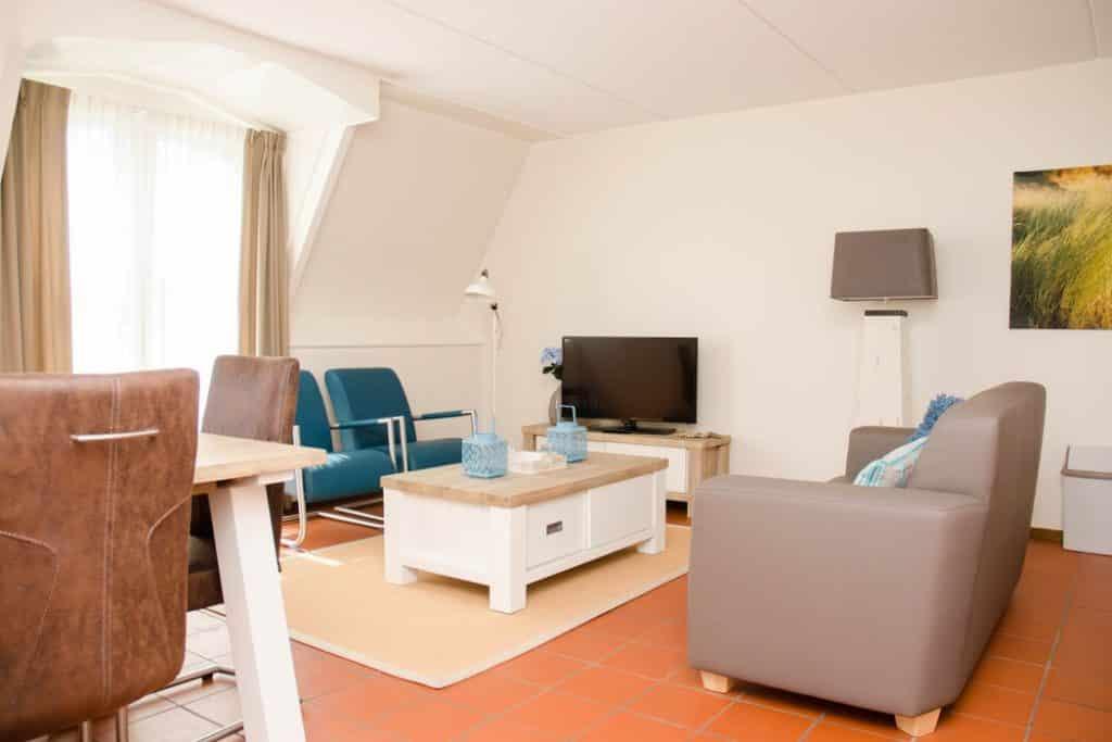 Woonkamer van Hotel Graaf Bernstorff op Schiermonnikoog