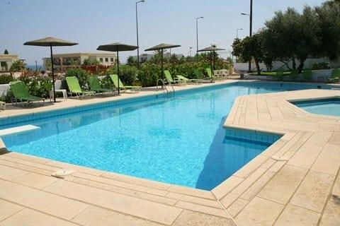 Zwembad van Hotel Theodora in Chersonissos, Kreta
