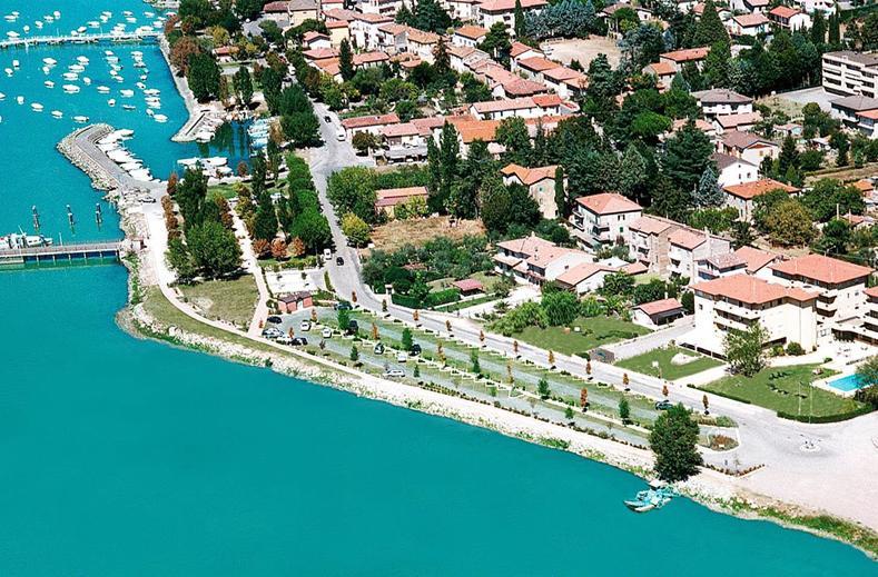 aparthotel ali sul lago in san feliciano italie