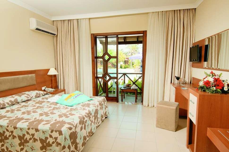 Hotelkamer van Club Calimera Serra Palace hotel in Side, Turkije