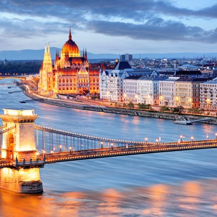 Kettingbrug en parlementsgebouw in Boedapest, Hongarije