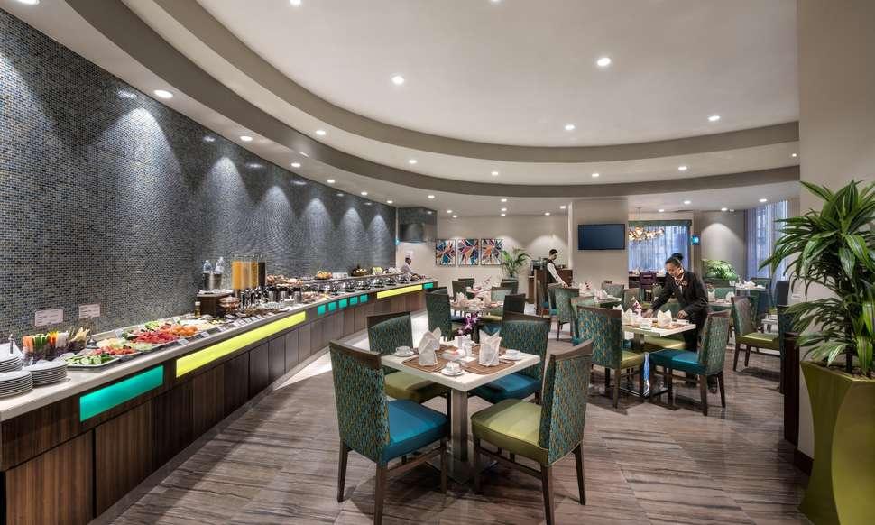 Ontbijtbuffet van Savoy Central Hotel in Dubai, Verenigde Arabische Emiraten