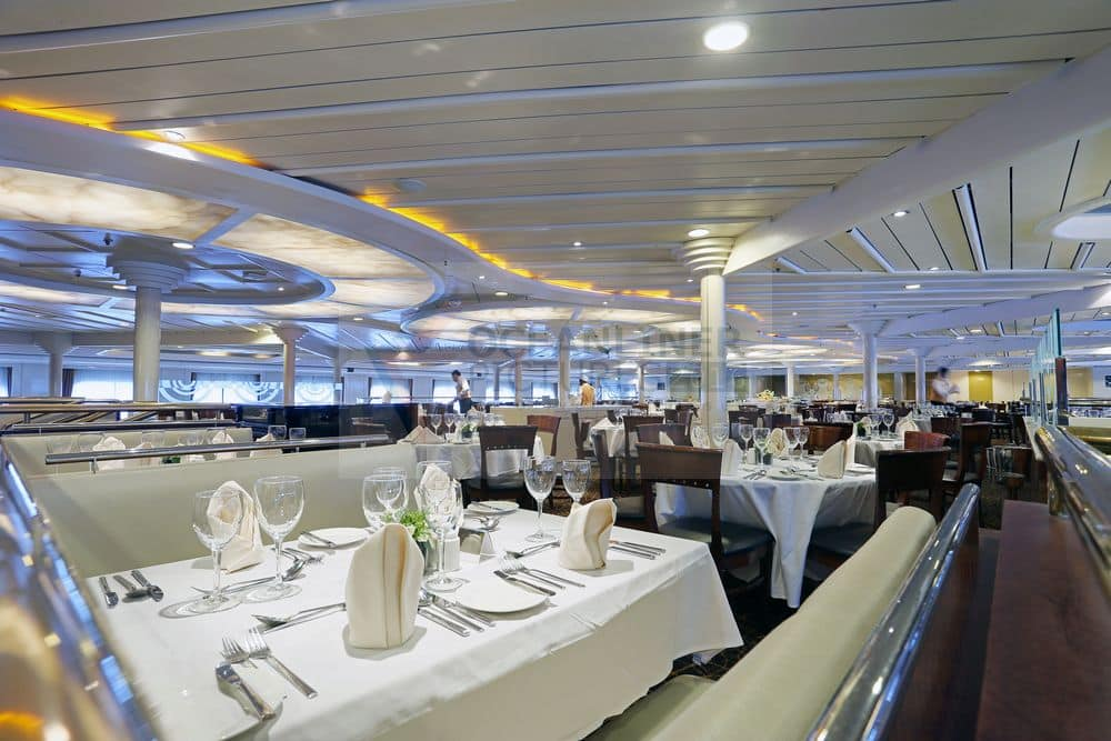 Restaurant van Cruiseschip MS Magellan