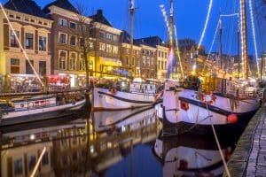 Schepen in de haven van Hoge der Aa in Groningen