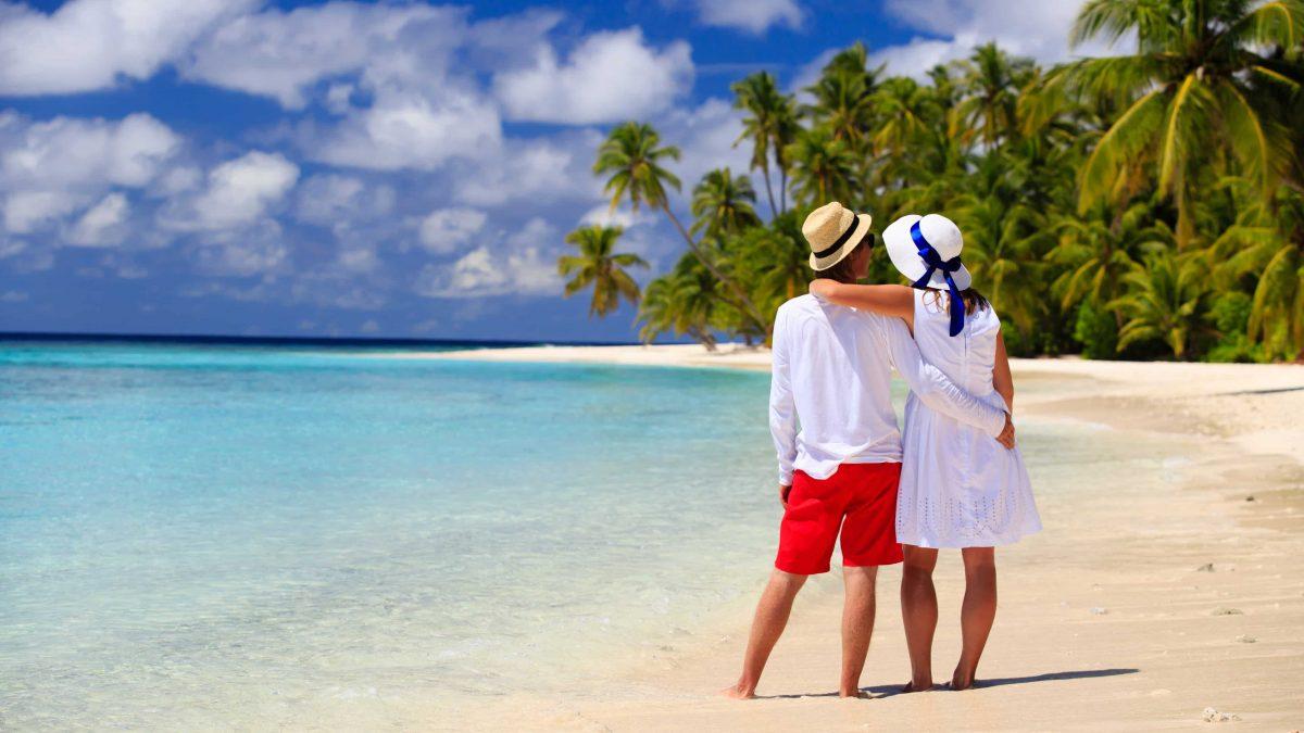 stelletje strand palmbomen maldiven