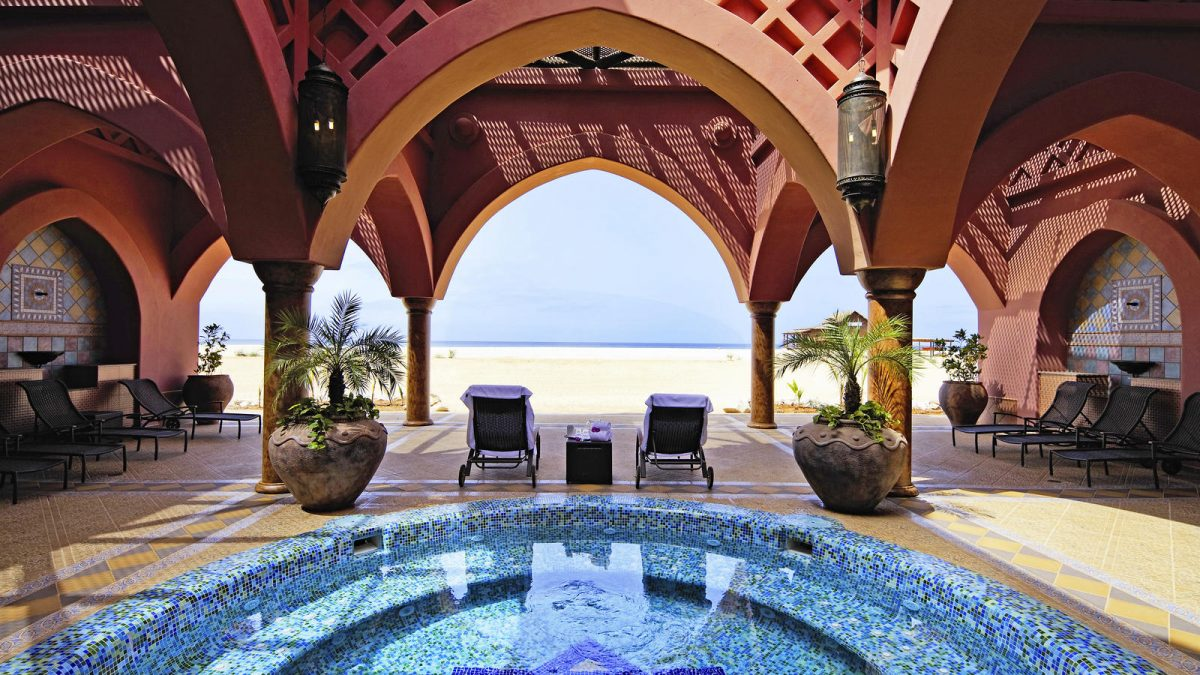 Strand en spa van Hotel Riu Touareg in Praia Lacacao, Boa Vista, Kaapverdië