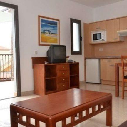 Woonkamer van appartement van Broncemar Beach Aparthotel in Caleta de Fuste, Fuerteventura