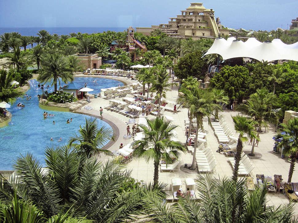 Zwembad van Atlantis The Palm in Dubai, Verenigde Arabische Emiraten