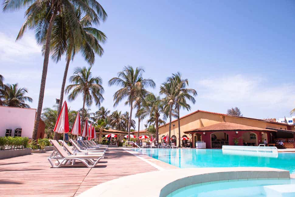 Zwembad van Ocean Bay Hotel in Bakau, Gambia