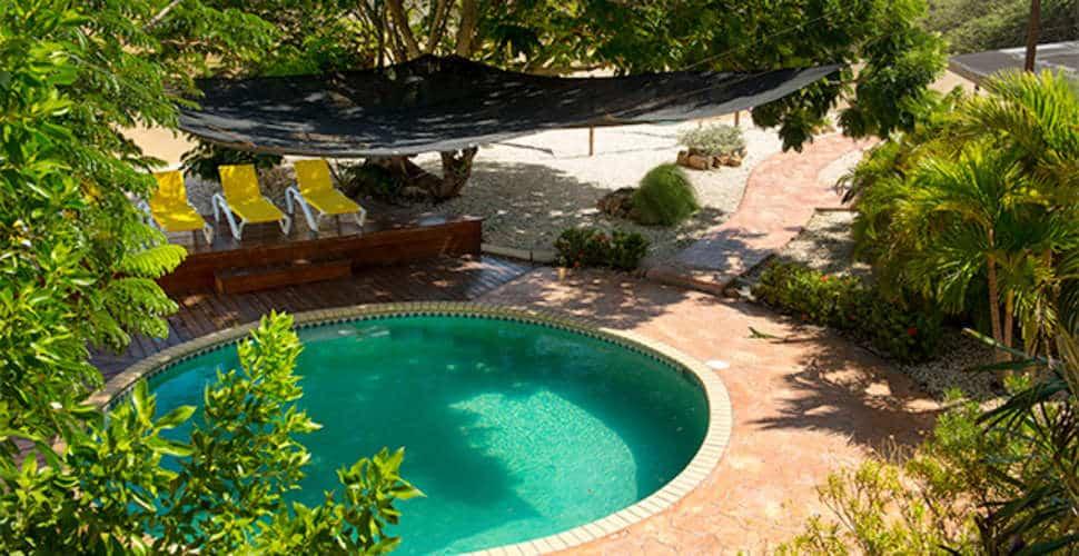Zwembad van White Beach Appartementen in Bubali, Aruba