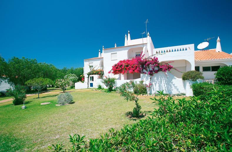 Appartement van Senhora da Rocha in Armação de Pêra, Algarve, Portugal