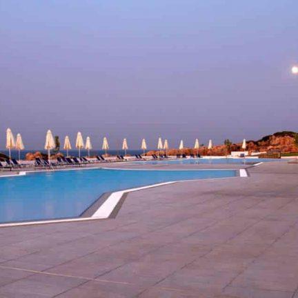 Zwembad van The Kresten Royal Villas & Spa in Kalithea, Rhodos