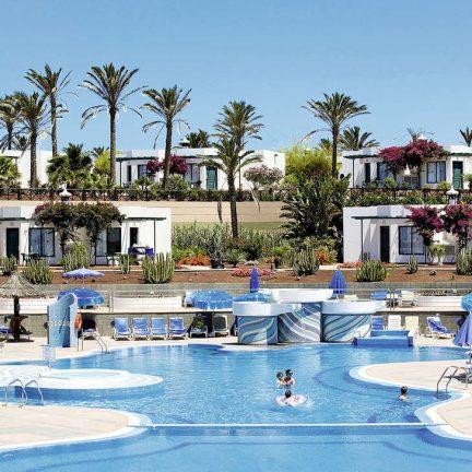 Bungalows en zwembad van Club Playa Blanca in Playa Blanca, Lanzarote