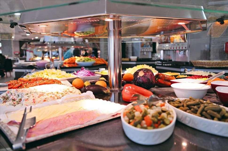 Eten van Azuline Bergantin in San Antonio, Ibiza