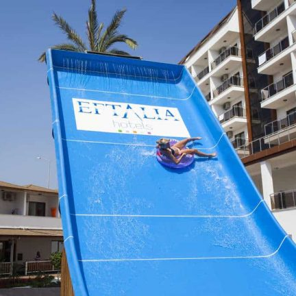 Glijbaan van SPLASHWORLD Eftalia Splash Resort in Alanya, Turkije