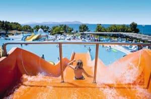 Glijbanen en zwembad van LaBranda Marina Aquapark Resort in Tigaki, Kos