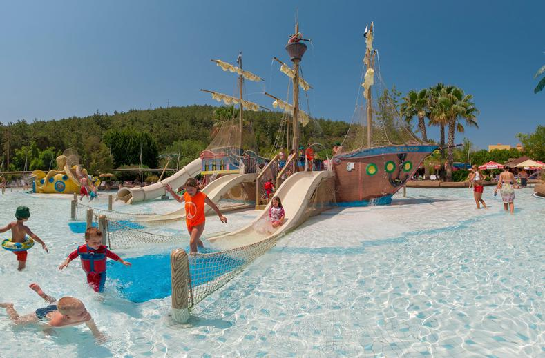Kinderbad van Splashworld Aqua Fantasy in Kusadasi, Turkije