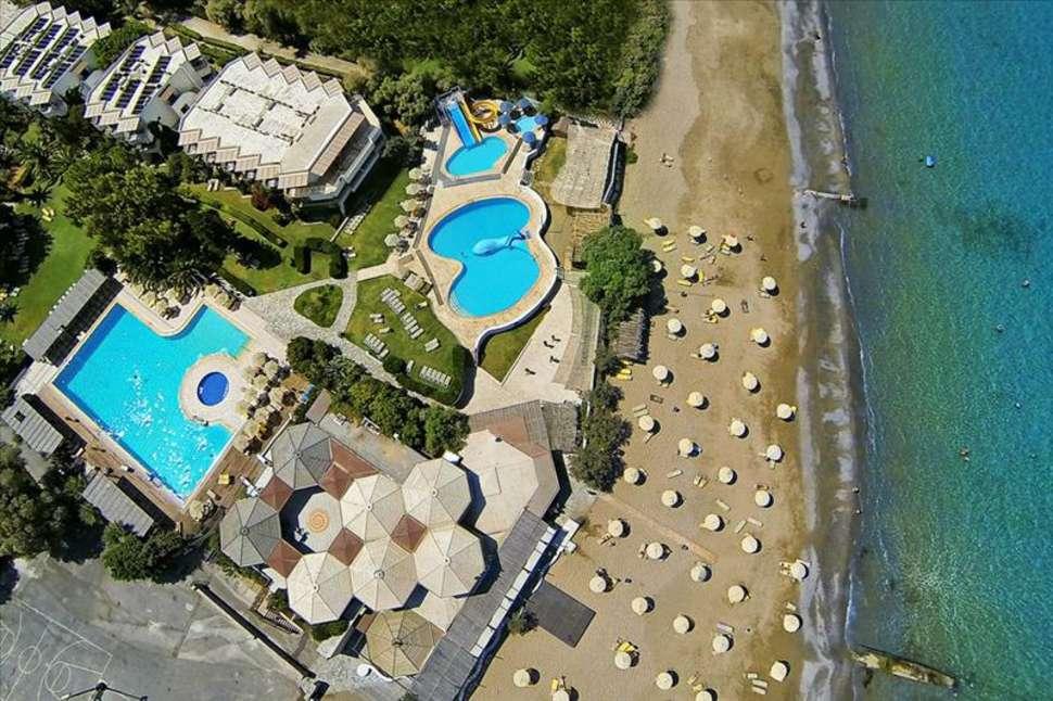 Ligging van Apollonia Beach Hotel in Agia Marina, Kreta