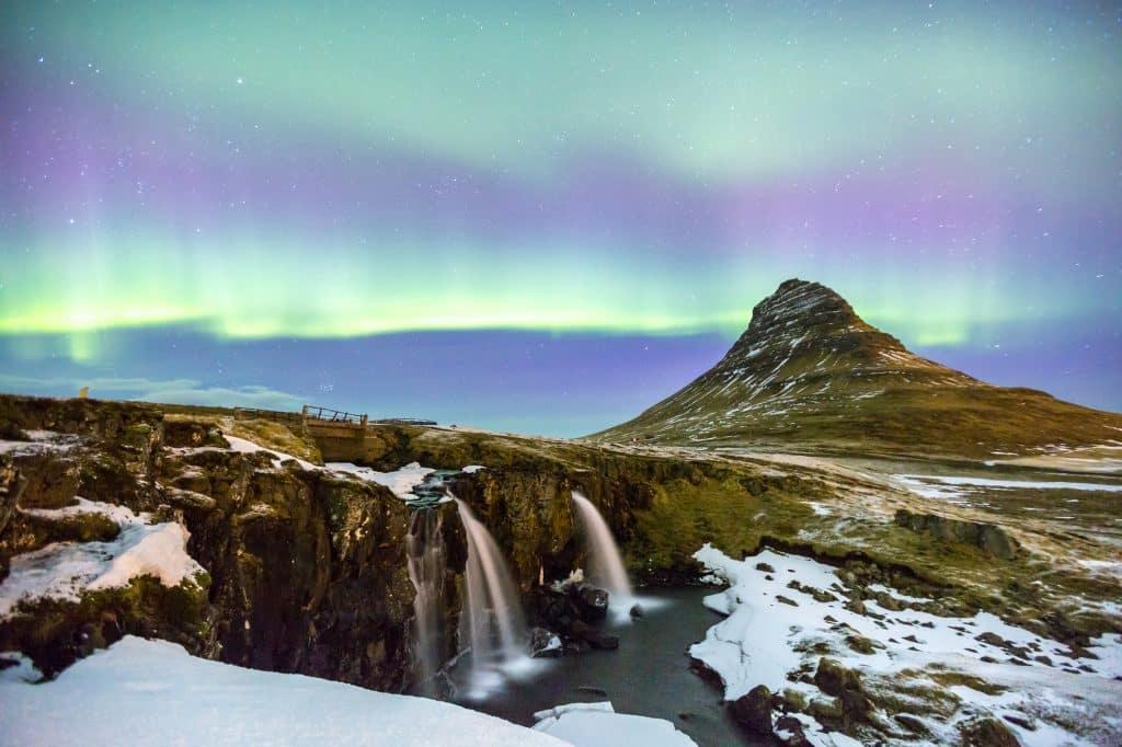 Noorderlicht en sneeuw in IJsland