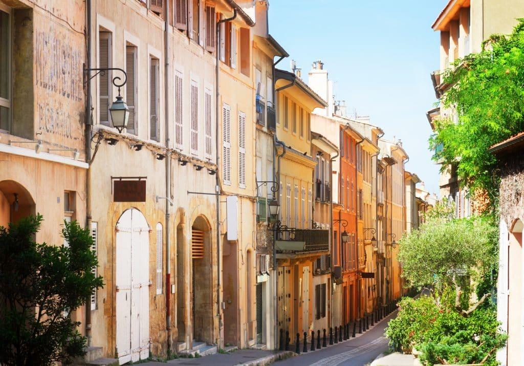 Oude straat in Nice, Frankrijk