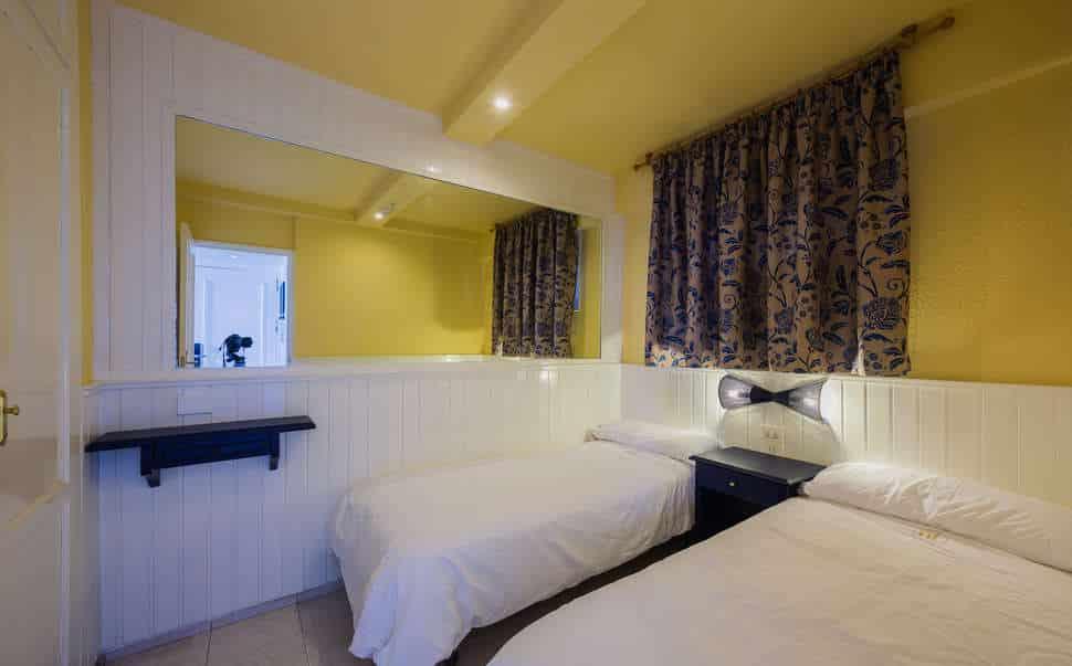 Slaapkamer van appartement van Appartementen Teneguia in Puerto de la Cruz, Tenerife