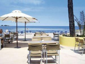 Strand van Azuline Bergantin in San Antonio, Ibiza