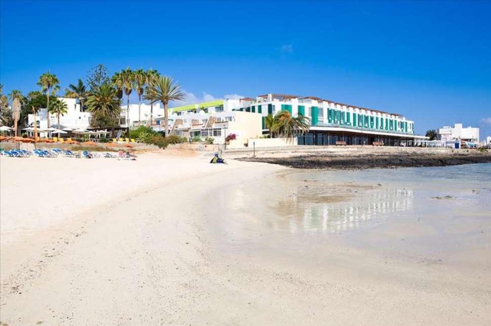 Strand bij Hotel THe Corralejo Beach in Corralejo, Fuerteventura