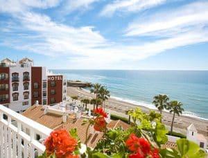 uitzicht hotel perla marina in nerja costa del sol spanje
