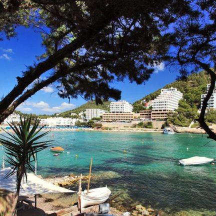 uitzicht sirenis cala llonga resort in cala llonga ibiza