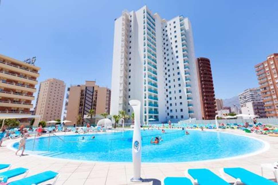 Zwembad van Port Benidorm in Benidorm, Costa Blanca, Spanje