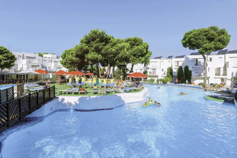 Zwembad van Hotel Club Calimera Es Talaial in Cala d'Or, Mallorca