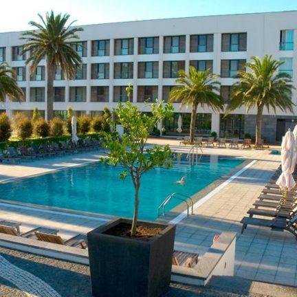 Zwembad van Hotel Royal Garden in Ponta Delgada, Portugal